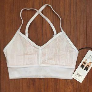 Alo Yoga Aria white sports bra XS NWT